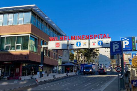 Der Eingangsbereich zur Klinik Ottakring, ehemals Wilhelminenspital.